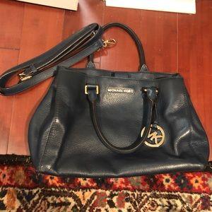 Navy Blue Michael Kors Handbag lots of pockets